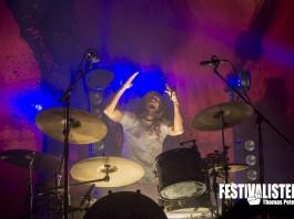 Donots Drummer Eike Herwig in Aktion, Bild: Thomas Peter