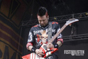 Jason Hook von Five Finger Death Punch beim Rockavaria 2015, Foto: Thomas Peter