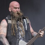 Chris Kael von Five Finger Death Punch beim Rockavaria 2015, Foto: Thomas Peter